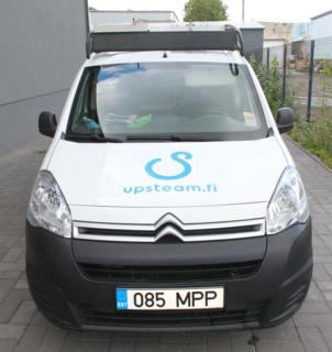 Logokleebis kapotil - upsteam.fi