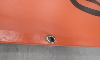PVC bänneri kinnitus